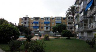 Piso en urbanización con piscina y parking