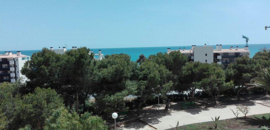 Piso de 3 dormitorios con vistas al mar