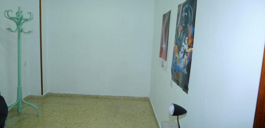 GRAN PISO MUY CERCA DE LA PLAYA- EXTERIOR Y EN EL CENTRO