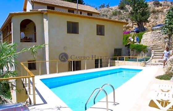 Casa / Chalet en venta en Villajoyosa de 350 m2